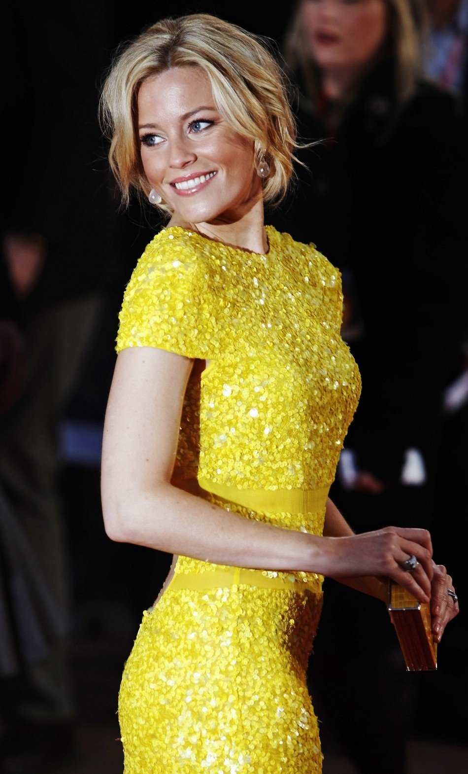 Elizabeth Banks Fashion Yellow Dress Fashion